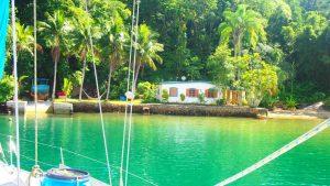 Praia do Amor Hostandboat