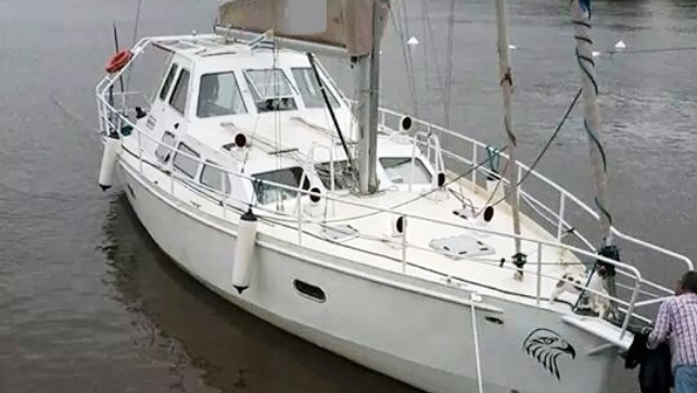 Sailing yacht   Buenos Aires  Colonia