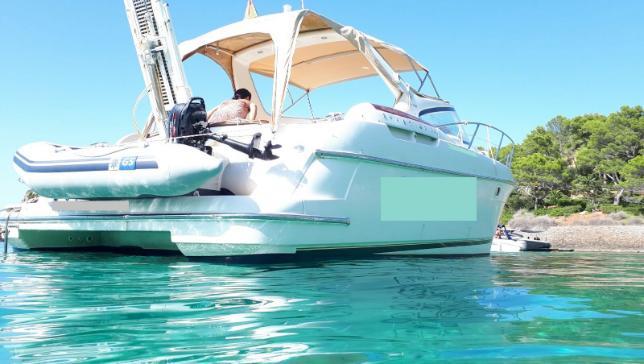 Alquiler de barco a motor Prestige 34 con Capitán en Ibiza y Formentera