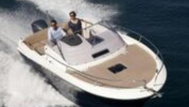 Alquiler de barco a motor Camarat 8.5 con Capitán en Ibiza y Formentera