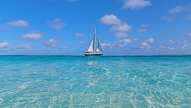 Holidays in historic private sailboat in Bonaire