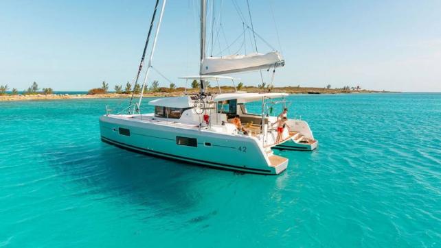 Visit paradise by catamaran, British Virgin Islands